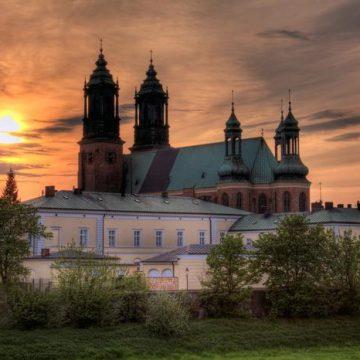 Poznań wycieczka jednodniowa zwiedzanie z przewodnikiem Wrocław 2